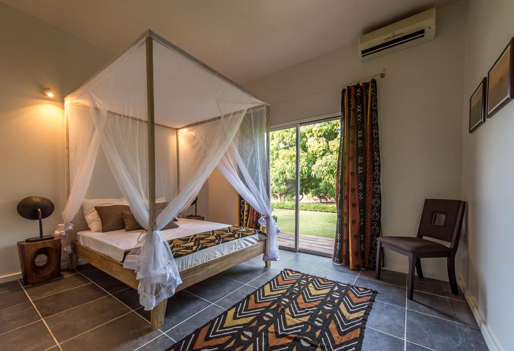2 autres chambres et salle de bain louer une maison warang for Maison et travaux chambre